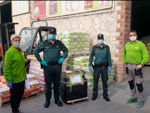 BdB delivers masks to Guardia Civil Zaragoza
